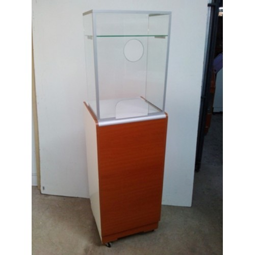 CAJA PEDESTAL SIMPLE S/ VITRINA